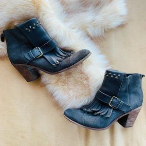HOSS (ANTHROPOLOGIE) gray leather booties SZ 39